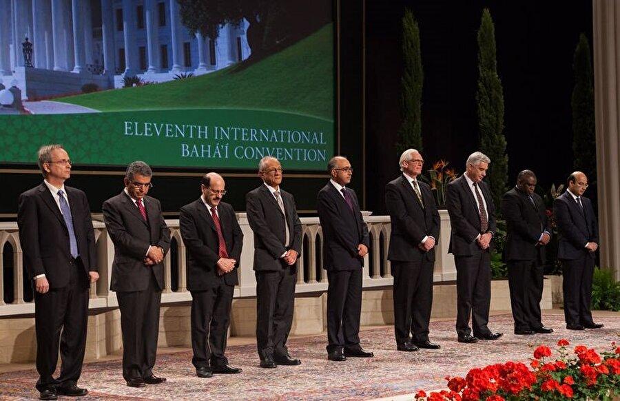 Bahâîliğin yönetimi, günümüzde 9 kişilik bir konseyin elindedir.