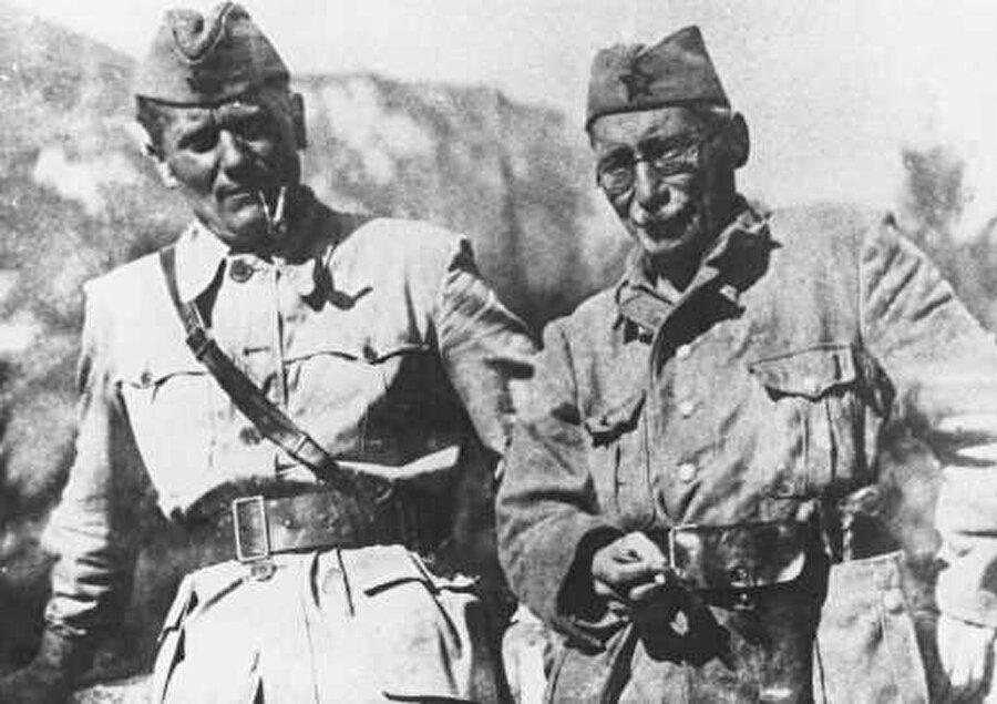 Tito ve hapiste tanıştığı Yahudi arkadaşı Moşa Pijde.