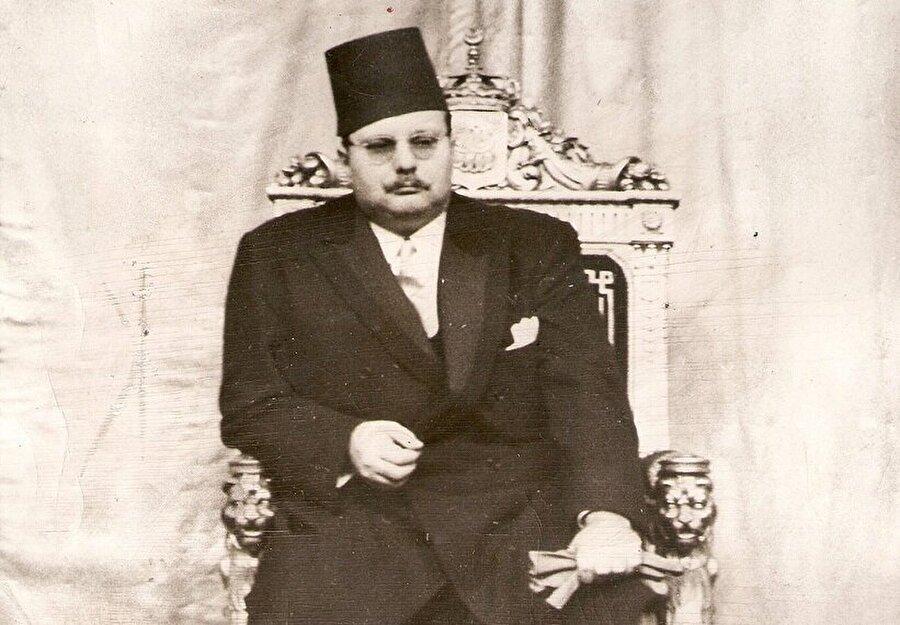 Kral Faruk, Mısır tahtına oturduğunda yalnızca 16 yaşındaydı.