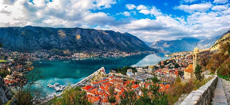 Türkiye'ye dönmeden önce Kotor'a yapmak istediğimiz gezi, benim için ilginç bir sürecin başlangıcı oldu.