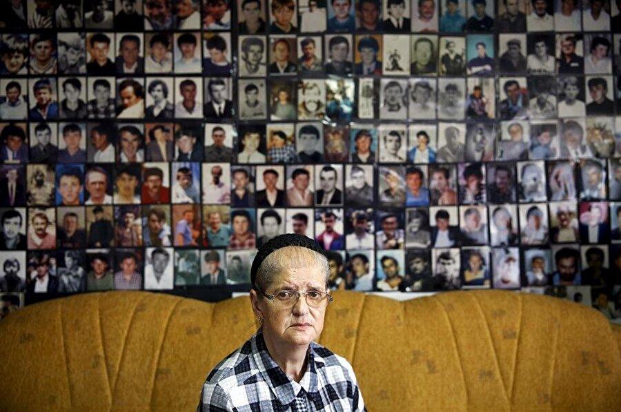 Srebrenitsa Kadınları Derneği Başkanı Hajra Catic de soykırımda oğlunu ve eşini kaybetmişti.