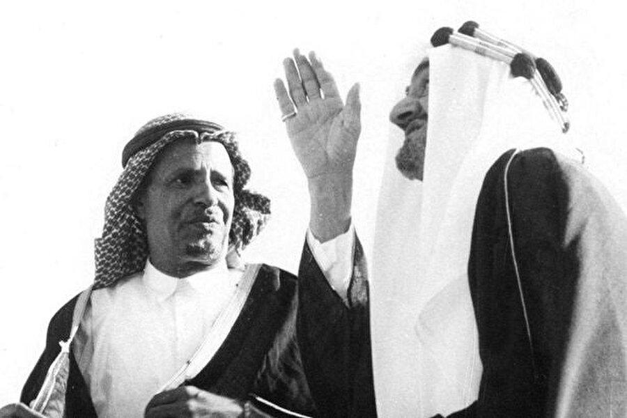Muhammed bin Ladin, 1965'te, dönemin Suudi Arabistan Kralı Faysal bin Abdulaziz'le.