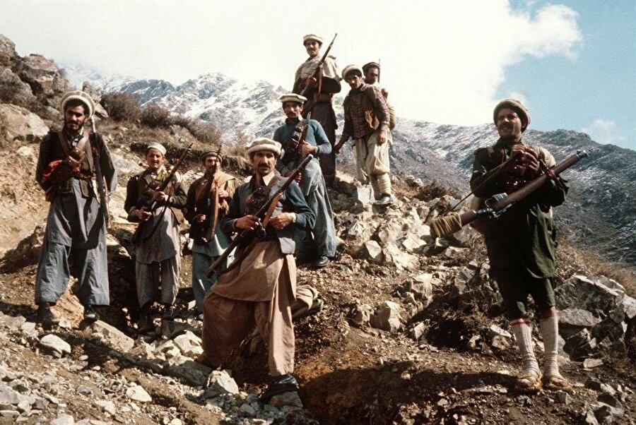 Afgan mücahitler, Sovyetler'in işgaline direnip başarıya ulaşmıştı.