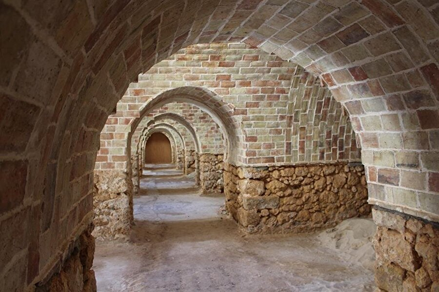 Lûtânî Burcu Dayı Mustafa Laz tarafından yaptırılmıştır.