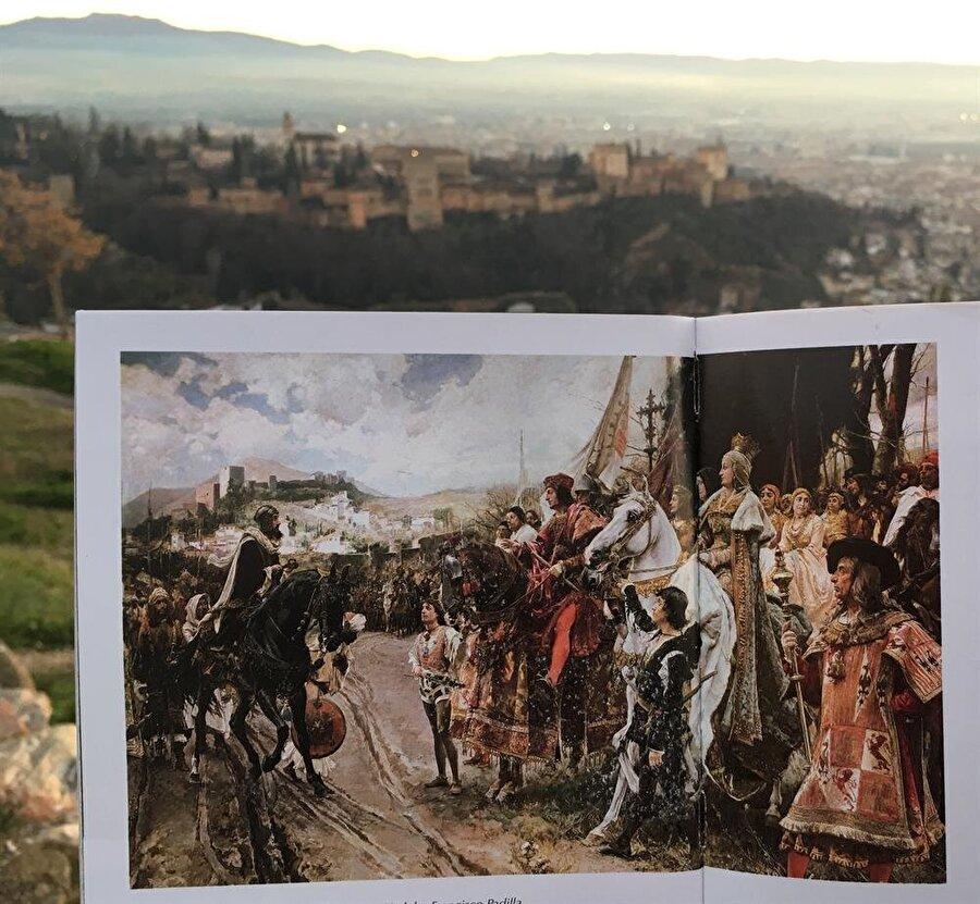 Elhamra Sarayı arka planı eşliğinde, Boabdil'in Gırnata'yı Katolik Kral ve Kraliçe'ye teslimini gösteren bir betimleme.