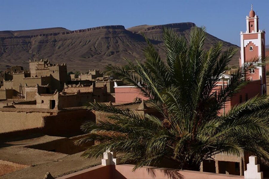 Kuzey Afrika'da, Atlas Dağları'ndaki bir Berberi kasabası.