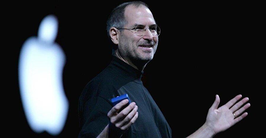 1 Nisan 1976'da kurulan Apple'da Steve Jobs'un 5 Ekim 2011'de ölmesiyle birlikte öksüz kalmış gibi bir hava oluştu.