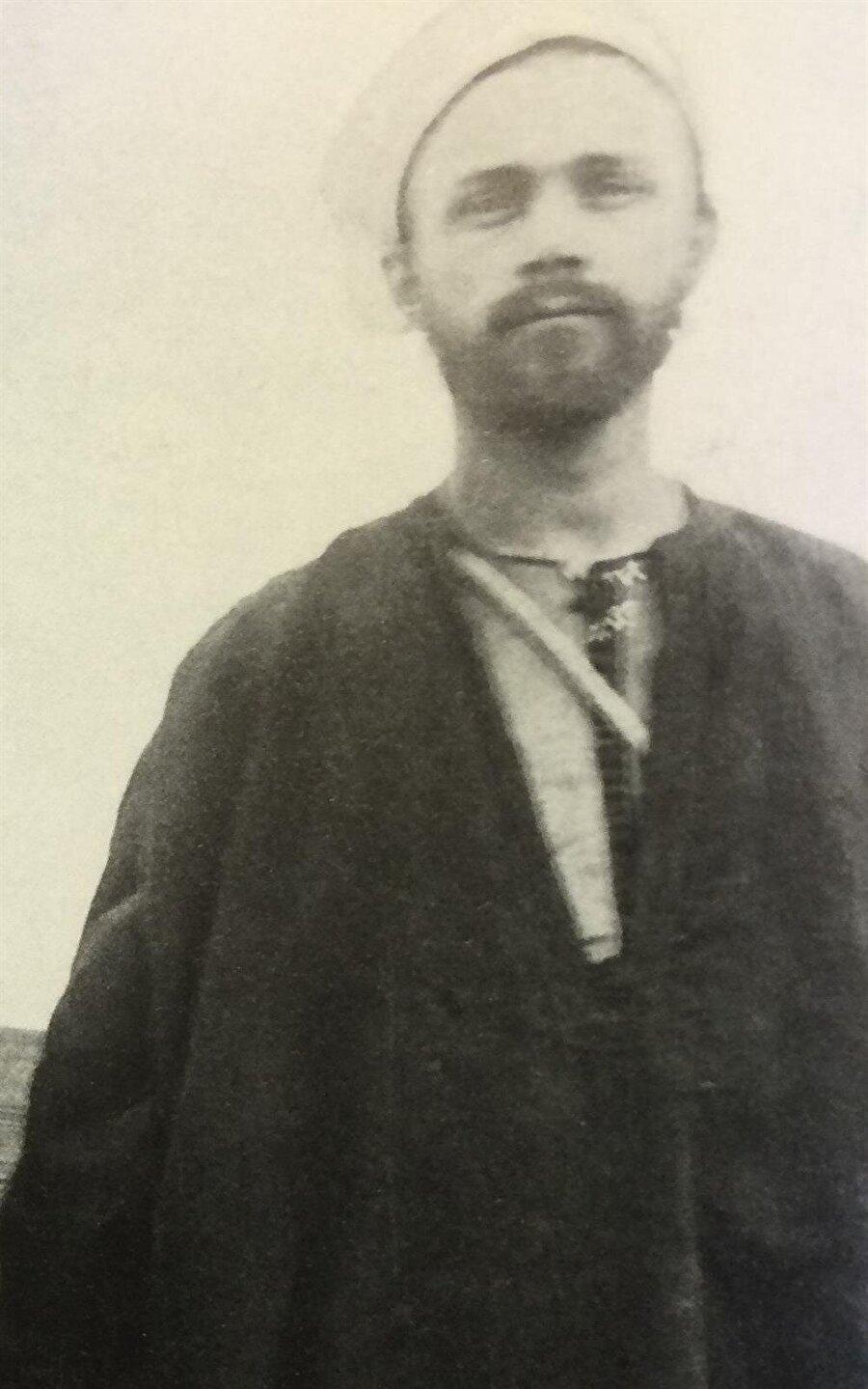 İhtida ettikten sonra Abdülhadi ismini alan ressam İvan Gustav Aguéle.