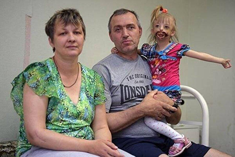 Helena ve Juri çocuklarını da alarak başka bir şehre taşındı.