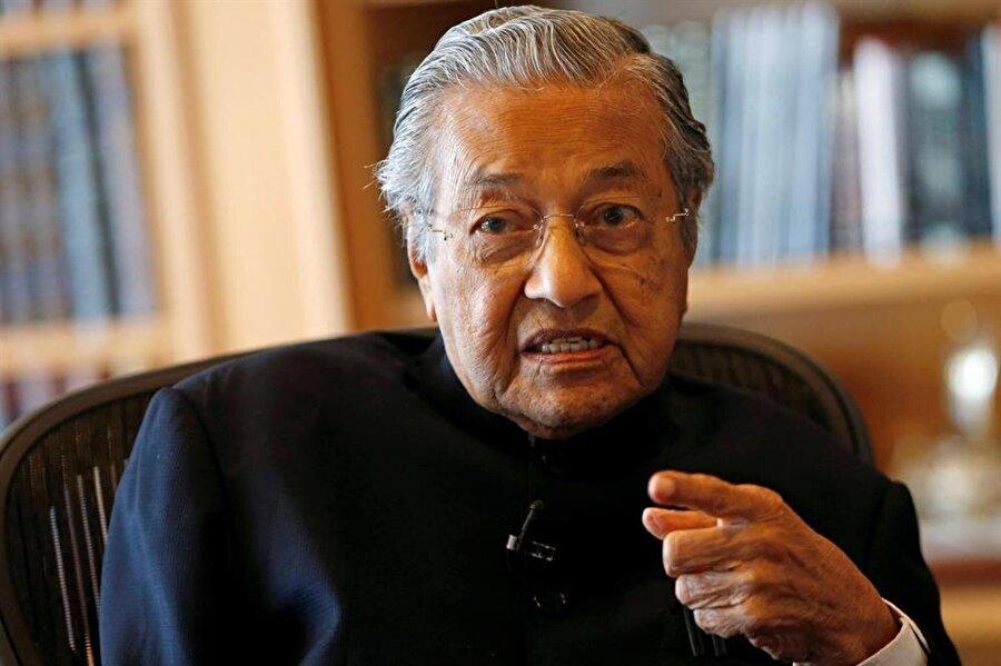 Mahathir Muhammed, uzun yıllar liderliğini yaptığı UMNO'yu iktidardan indiren isim oldu.