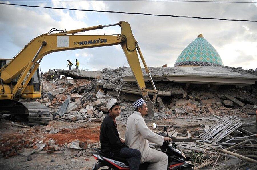 5 Ağustos'ta meydana gelen depremde ölü sayısı 347'ye yükseldi. (Anton Raharjo / AA)