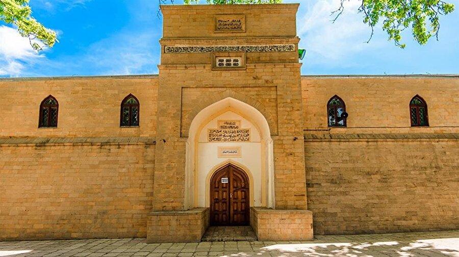 Derbent Cuma Camii, Rusya bölgesindeki en eski camilerdendir.