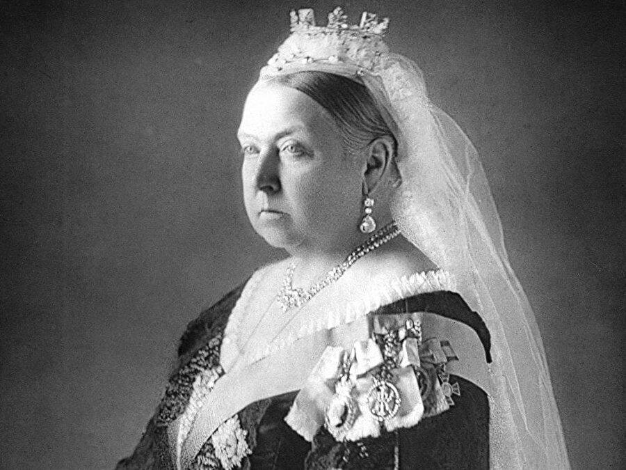İngiltere Kraliçesi Victoria, 63 yıl tahtta kalarak, bir rekora imza atmıştı.