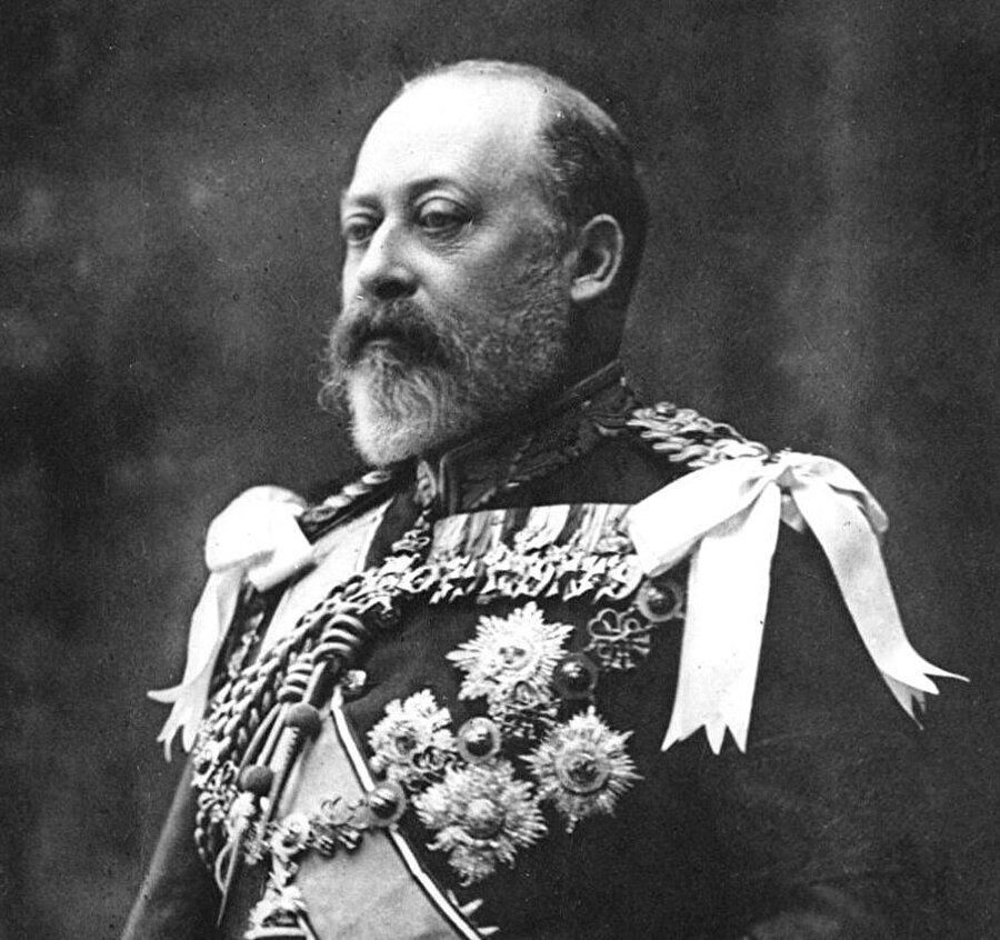 Annesinin ölümünü 59 yıl bekleyen Veliaht Prens Edward, belki de Abdulkerim'den en çok nefret eden isimdi.