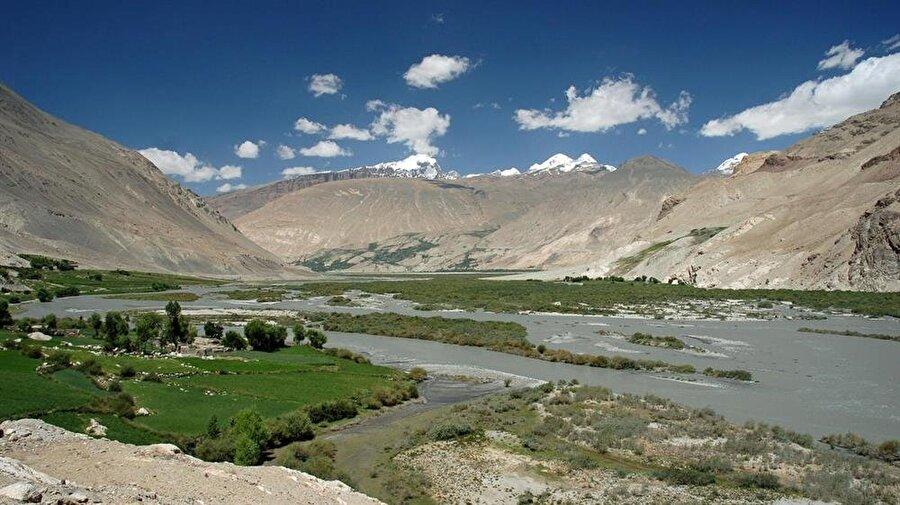 Vahan Koridoru, 240 kilometre boyunca eşsiz bir tabiat manzarasına sahiptir.