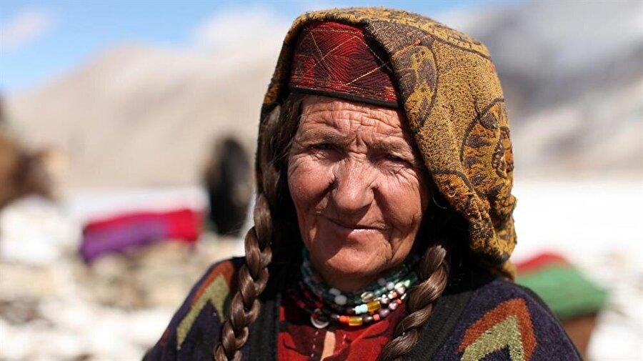Şiî İsmailî inancına mensup bir Vahi kadını.