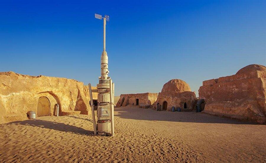 Matmâta içerisinde ve civarında kurulan Star Wars setlerinden kalan bazı bölümler korunmuş durumda. (Shutterstock)