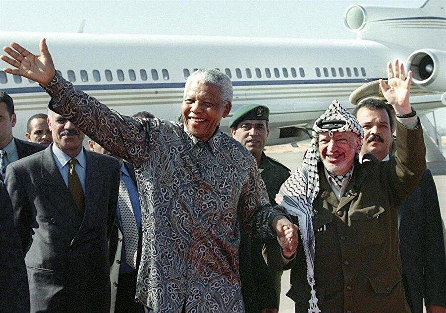 19 Ekim 1999'da Gazze'de Yaser Arafat'ı ziyaret eden Nelson Mandela'nın uçağı da Gazze Havaalanı'na inmişti.