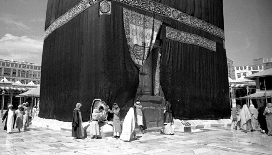 Kâbe'nin 1919 yılına ait bir fotoğrafı.