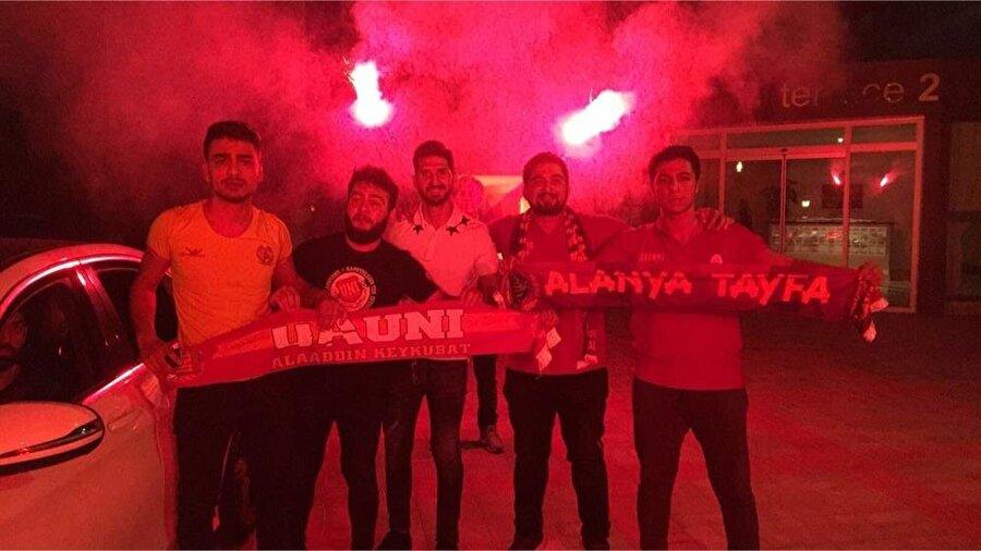 Emre Akbaba, 23.55'de Antalya'dan yola çıkarak 01.00 civarında İstanbul'da olacak.