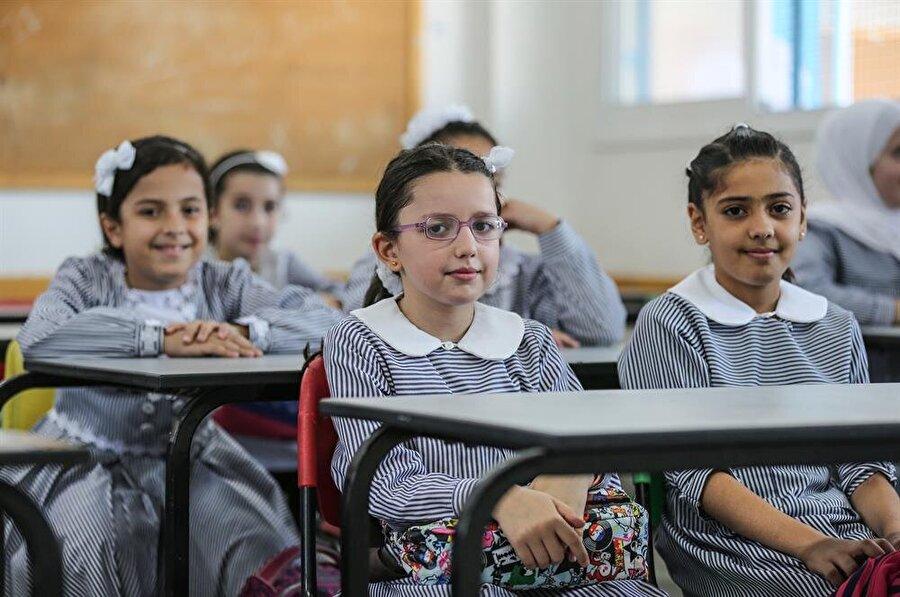 UNRWA'ya bağlı okullar, ABD'nin maddi yardımı kesmesine rağmen eğitim faaliyetlerine devam edecek. (Mostafa Hossana / AA)