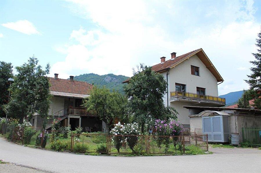 Bosna Savaşı sırasında ciddi katliamlara sahne olan Vişegrad, günümüzde sakin bir kasaba...