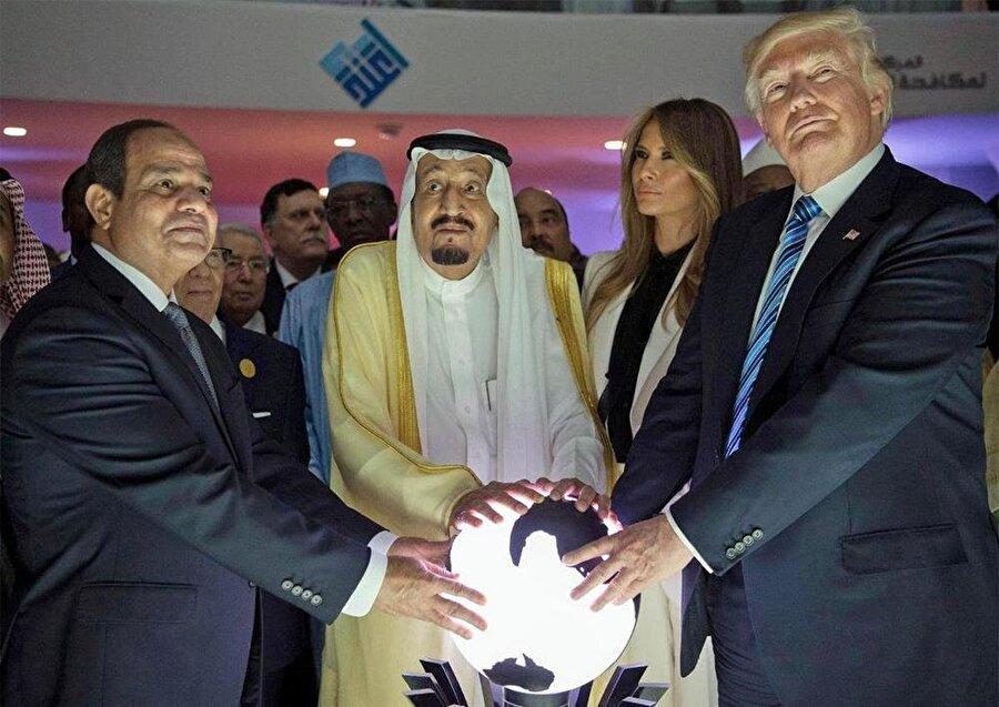 Katar'a yönelik Arap ablukasının, ABD Başkanı Donald Trump'ın yönlendirmesiyle başladığı biliniyor.