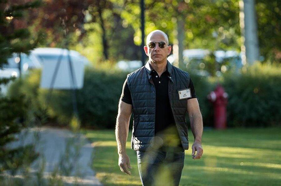 Gerçek bir 'işkolik' olarak tanımlanan Jeff Bezos, Amazon için günde '16 saat' çalışıyor.n