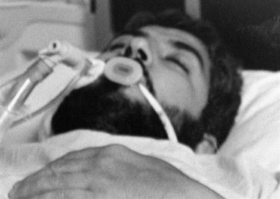 MOSSAD ajanları tarafından zehirlenen Halid Meşal, Kral Hüseyin'in girişimleriyle getirtilen panzehirle tedavi edilmişti.