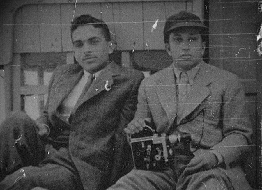 İyi bir arkadaşlık ilişkisi kuran Hüseyin (Solda) ve Faysal'ın (Sağda) dedeleri kardeşti.