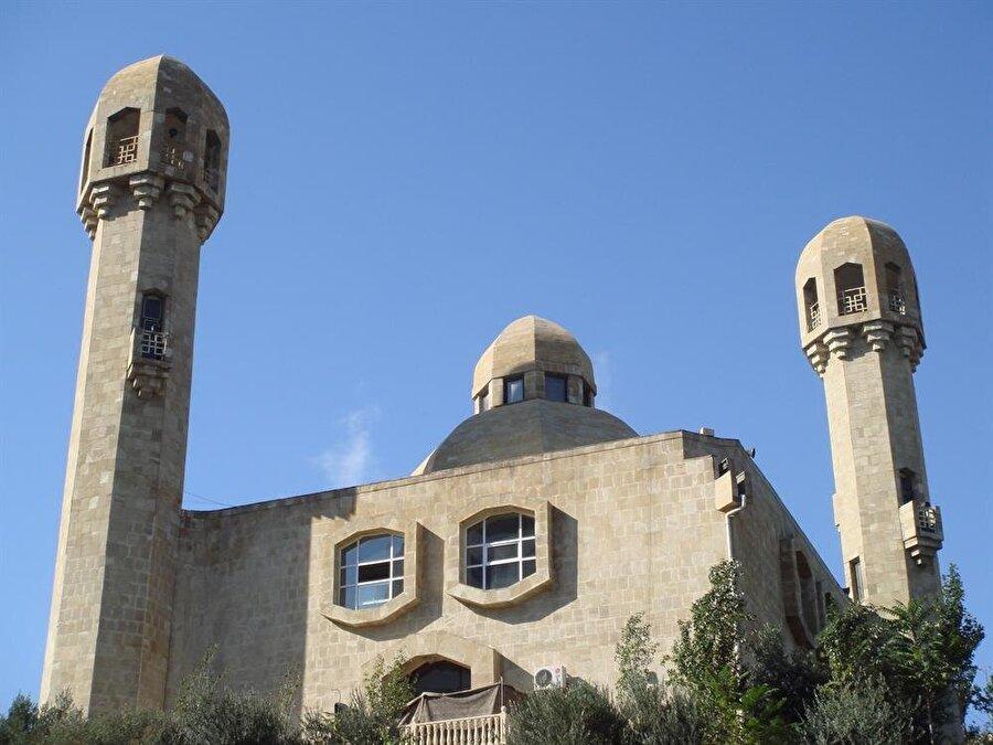 Ebu Bekir Camii, yaşanan bombalı saldırıdan sonra kapatıldı.