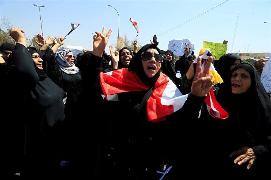 Basralı kadınlar da gösterilerde ön safta yer alıyor. (Fotoğraf: Alaa al Marjani - Reuters)