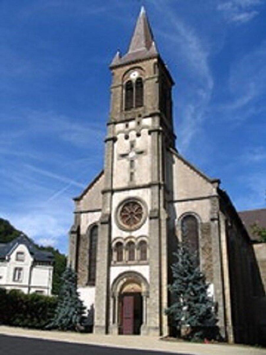 Saint-Jules Katolik kilisesi