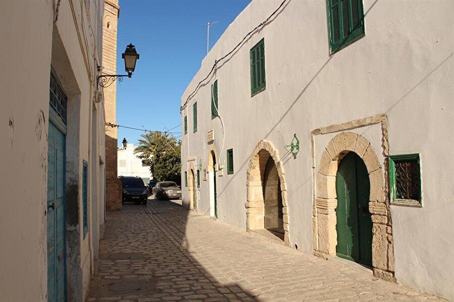 Mehdiyye'nin tarihî sokaklarından biri.