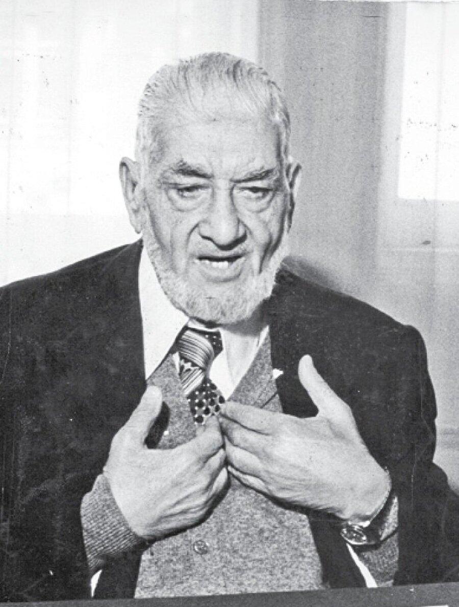 """Ömer el Tilmisani cemaate kuruluş yıllarındaki havayı tekrar kazandırdığı için """"İkinci Hasan el-Benna"""" olarak adlandırıldı."""