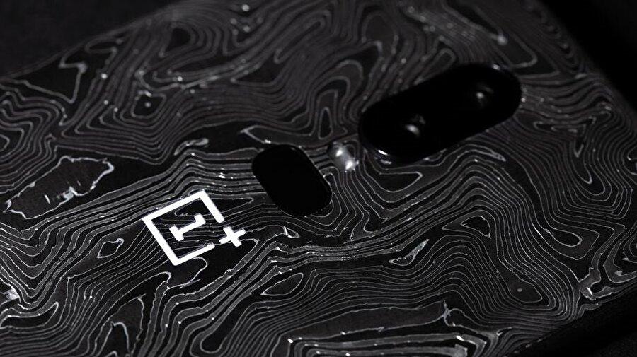 OnePlus'ın akıllı telefonları şık arka tasarımıyla da dikkat çekiyor.