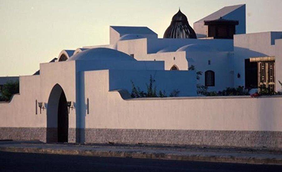 Süleyman Sarayı, el Vekil'in Acemi Sahili'nde inşa ettiği evden çok daha büyük bir projeydi.