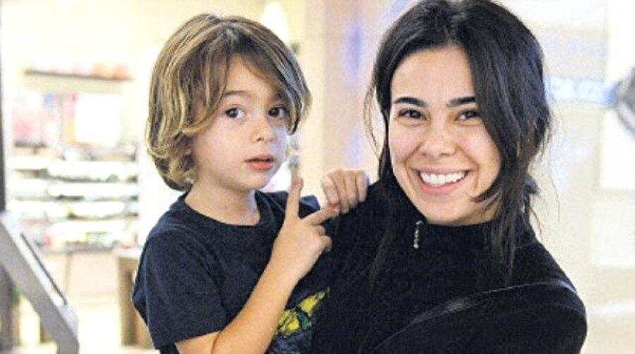 Asena Atalay ve oğlu Çınar