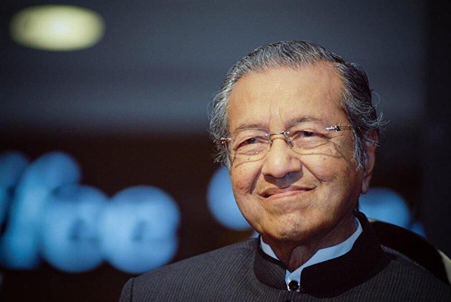 Kitabın yazarlarından olan ve 1981'de Malezya'nın 4. Başbakanı olan Mahathir Muhammed 2018'de tekrar başbakan olarak seçildi.
