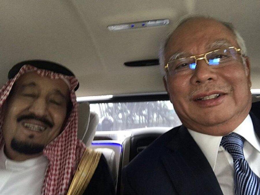 Necib Razak, Suudi Arabistan Kralı Selman'la birlikte.