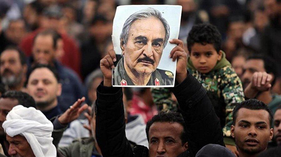 Libya'da Trablus, Tobruk ve Bingazi olmak üzere üç yönetim merkezi oluştu.