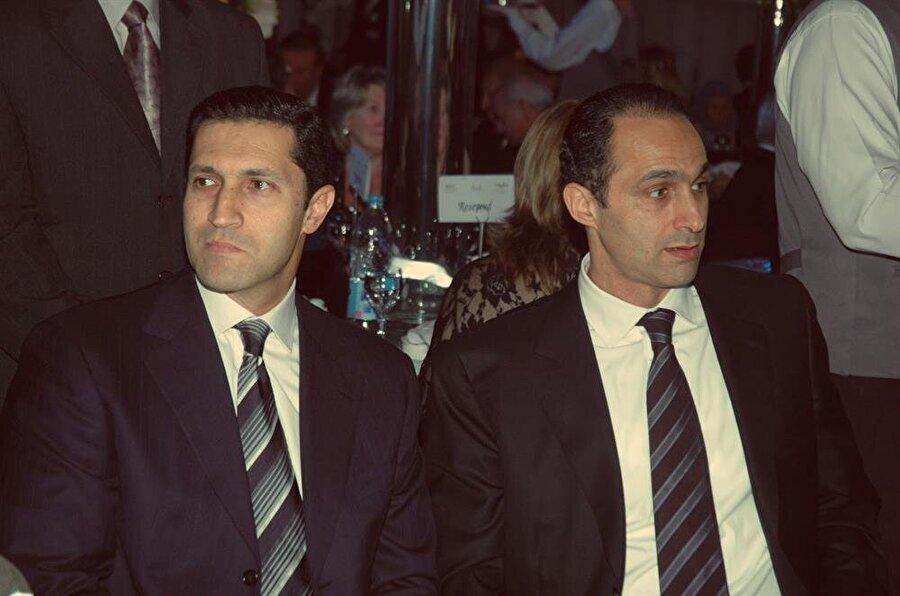20 Ekim'de hakim karşısına çıkmaları beklenen Cemal (Sağda) ve Alaa Mübarek, 100'er bin cüneyh teminat karşılığında serbest bırakıldılar.