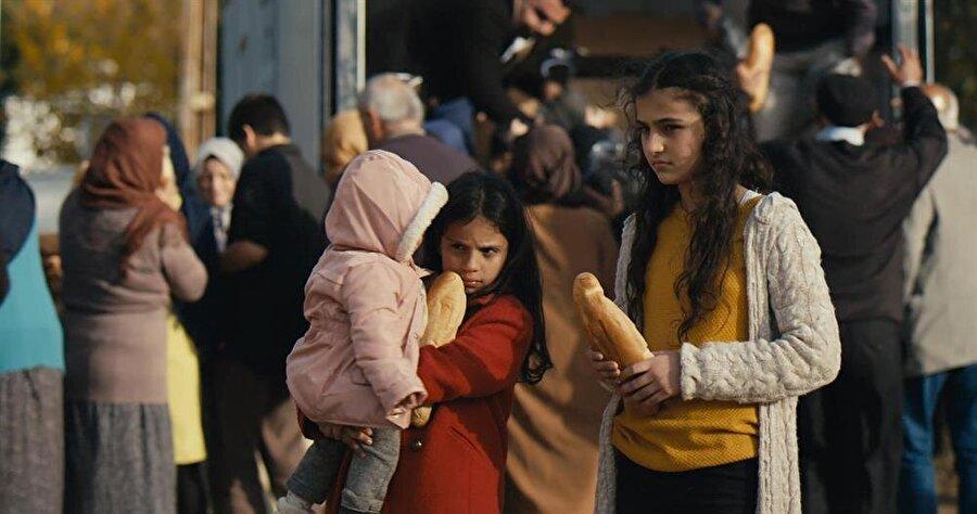 Misafir, akrabalarını Suriye'deki savaşta kaybeden Lina'nın (Rawan Iskeif) hikayesini anlatıyor.