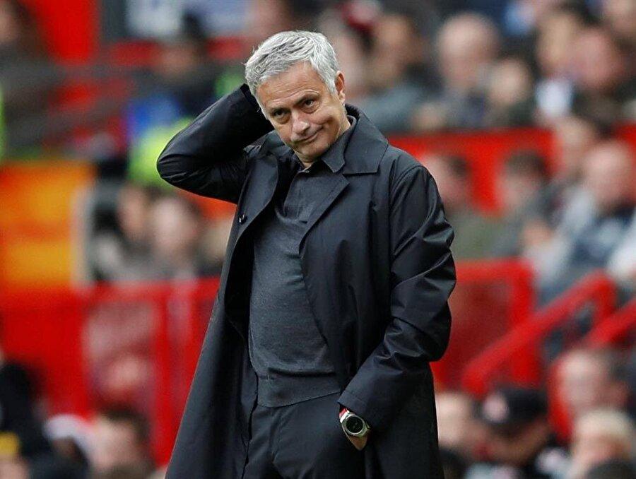 Manchester United teknik direktörü Jose Mourinho, beraberliğin ardından büyük üzüntü yaşadı.