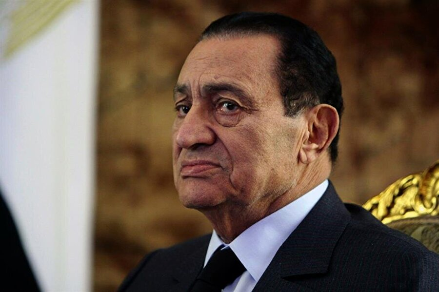 Bugün 92 yaşında olan Hüsnü Mübarek, Mısır'ı 1981'den 2011'e kadar demir yumrukla yönetmişti.