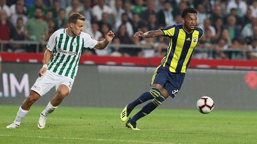 Jailson, ilk defa Konyaspor karşısından Fenerbahçe forması giydi.