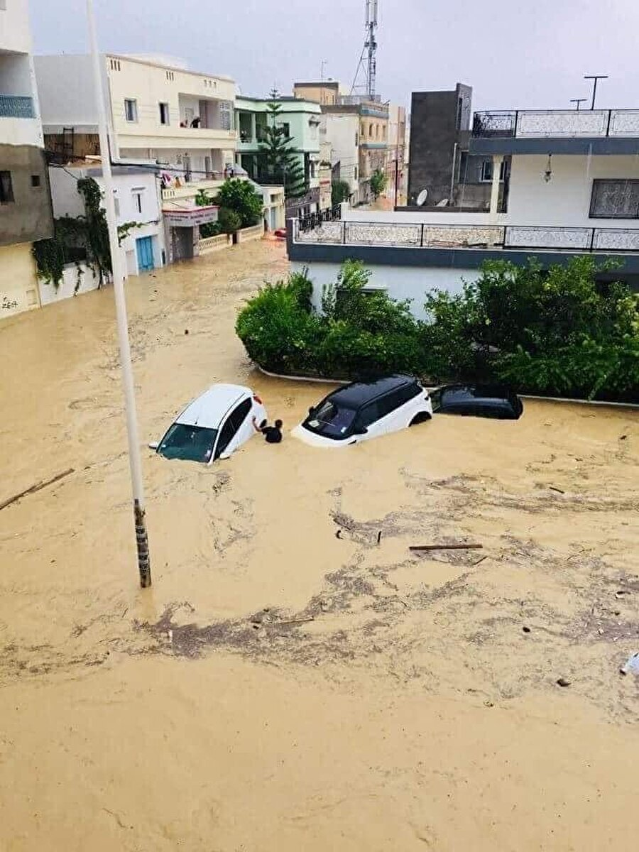Seller nedeniyle ciddi oranda maddi hasar oluştu.