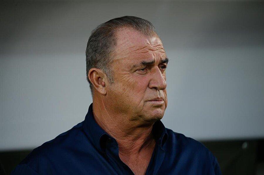 Fatih Terim'in oynanan futboldan duyduğu memnuniyetsizlik maç boyunda yüzünden okundu.