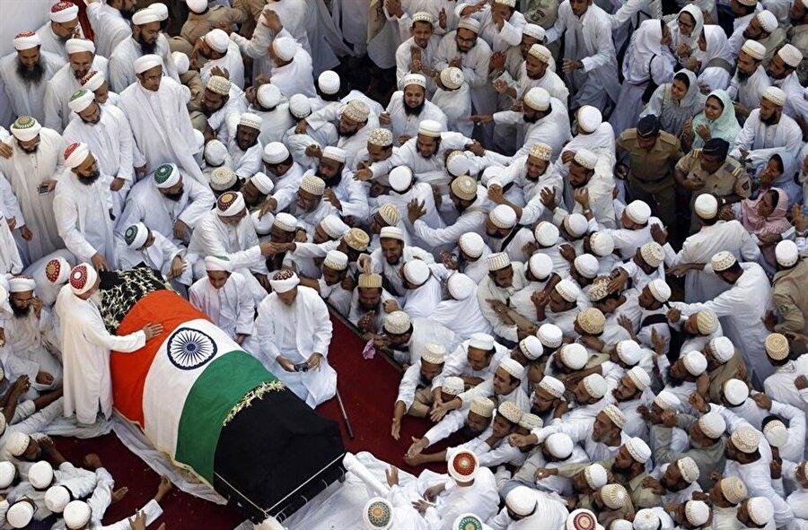 2014'de hayatını kaybeden Davudi Buhra lideri Seyyidina Muhammed Burhaneddin'in cenazesinde büyük izdiham yaşanmış, 18 cemaat üyesi hayatını kaybetmişti.