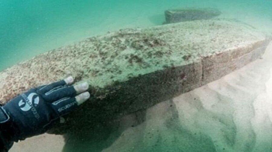 Geminin güvertesindeki işlemelerin bozulmadan kalabilmesi araştırmacıların dikkatini çekti.